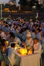 Diner En Blanc 2014 CrowdSLIDER